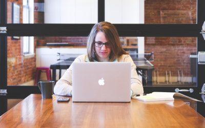 Más mujeres preparadas para trabajar en entornos digitales